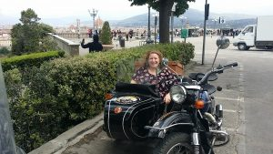 De Gustibus sidecar tour in florence at michelangelo square