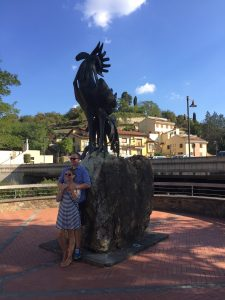 The black rooster symbol of Chianti Classico - De gustibus wine and food tours